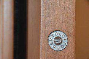 Infissi in legno ad Ancona e Jesi